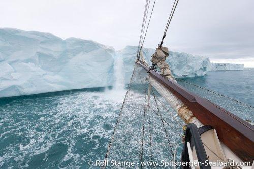 Gallery 3:Hinlopen – Spitsbergen 2018