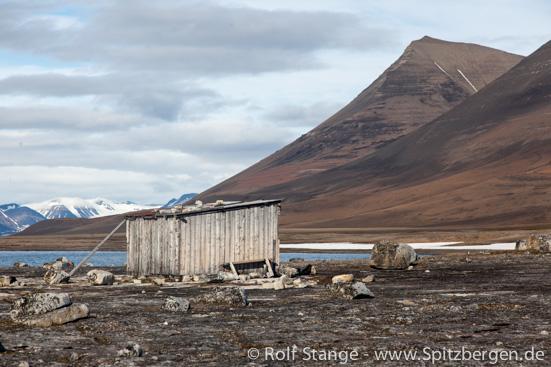 Hut at Boltodden, Kvalvågen