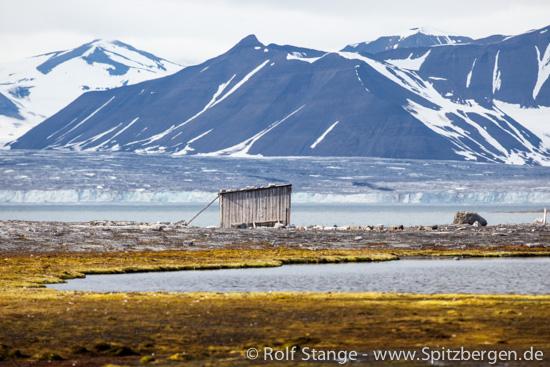 NEC-hut at Boltodden, Kvalvågen